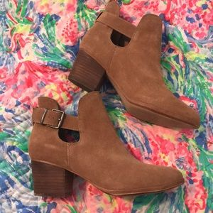 Shoes - Brown Booties 7